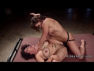 Busty lesbian wrestler anal fucked lezdom