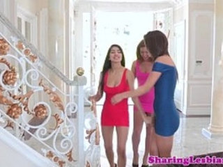 Lesbian girlfriend in threeway riding face